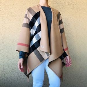 BURBERRY Charlotte Reversible Check Poncho cape